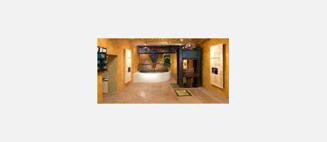 Img 1: OIL MUSEUM