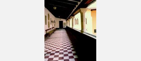 70_es_imagen2-gandia-palacio-ducal2.jpg