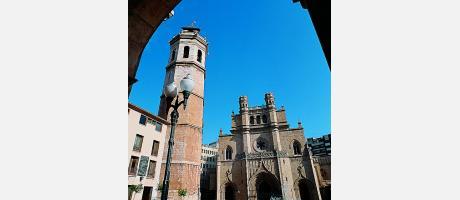 El Fadrí y la Catedral de Santa María de la Asunción en Castellón de la Plana