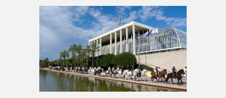 Img 2: Acosta't al Jardí del Túria a conéixer el món del cavall