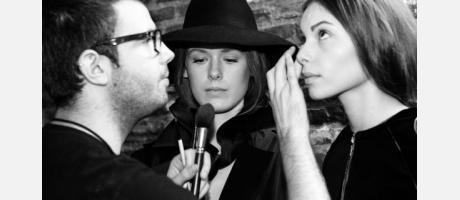 Maquillando a las modelos