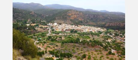 Vista de Olocau desde el Puntal dels Llops