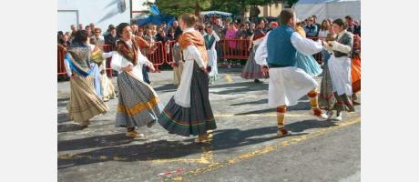 Bailes y danzas