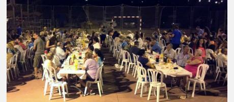 Cena de las fiestas del Barrio del Tosalet