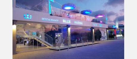 Blue Marina The Roof de noche