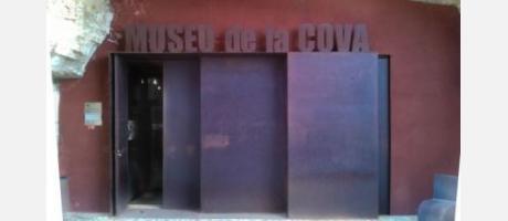 Ares_Museo_de_la_Cova1.jpg