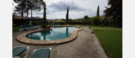 Exterior con piscina