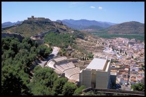Vistas del castillo y del teatro de Sagunto