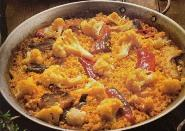 Image paella mit blumenkohl und stockfisch