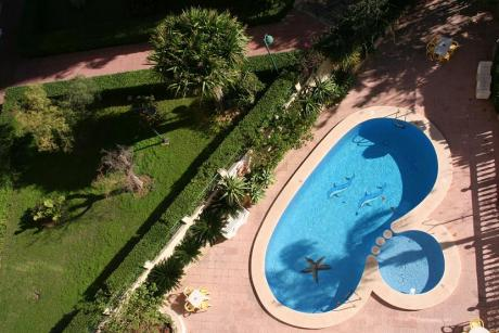 piscina maria victoria Benidorm.jpg