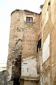 Img 1: THE TOWER BACKING ON TO THE MOORISH WALL BETWEEN ÁNGEL BENEITO AND COLL STREETS