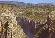 Die Muela de Cortes und das Caroig Massiv