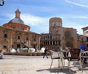 Valencia, ciudad comercial abierta 365 días