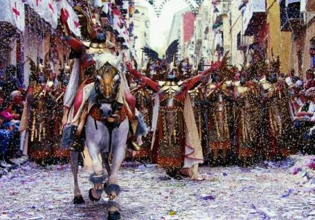 Moors and Christians in Alcoy, the show begins