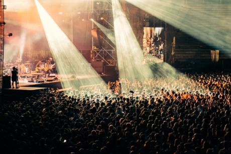 Low Festival: Musik, Strand, Party und Freunde in Benidorm