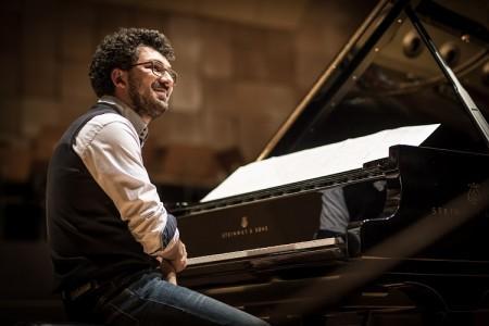 """Música: Teo Milea """"On white ...and black keys"""""""
