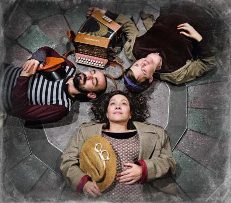 Cia de Teatre Anna Roca presenta Momo