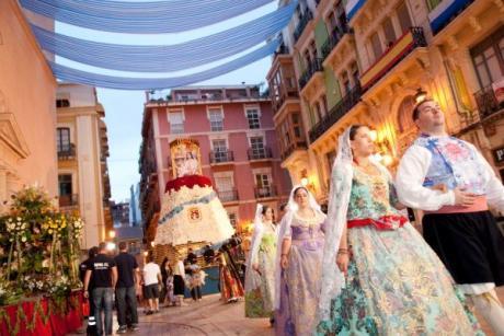 Llegan las Hogueras de San Juan: fuego, diversión y pura magia