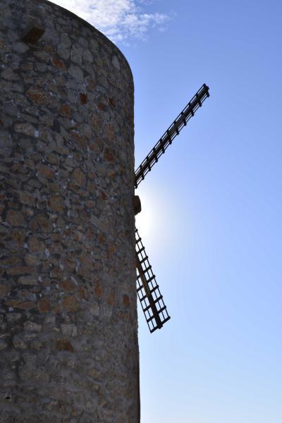 Los molinos de viento de Xàbia, un recorrido por el paisaje a través de las 11 torres