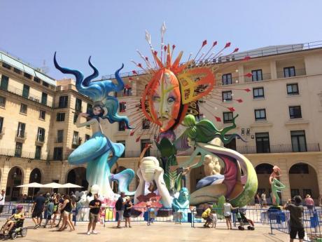 Die Feierlichkeiten von San Juan entfachen die Leidenschaft in der Region Valencia