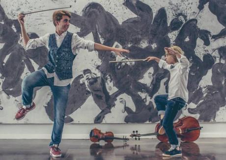 "Teatro: Violincheli Brothers presenta ""Desconchertantes"""